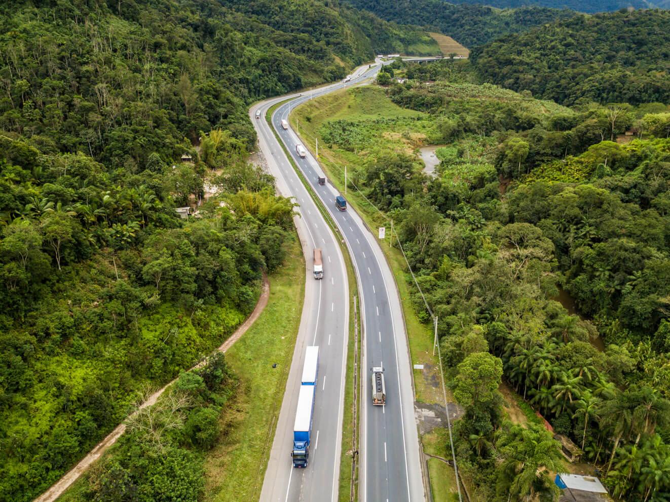Entenda como algumas rodovias brasileiras estão ficando cada vez mais seguras