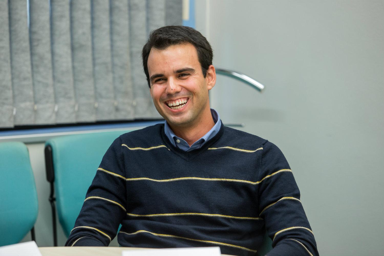 """""""Fazemos um network muito forte. Durante o programa, há o acompanhamento do RH, encontros com executivos locais e globais da empresa, etc."""" - Breno Jácomo de Freitas, 30 anos (Foto: Alan Teixeira)"""
