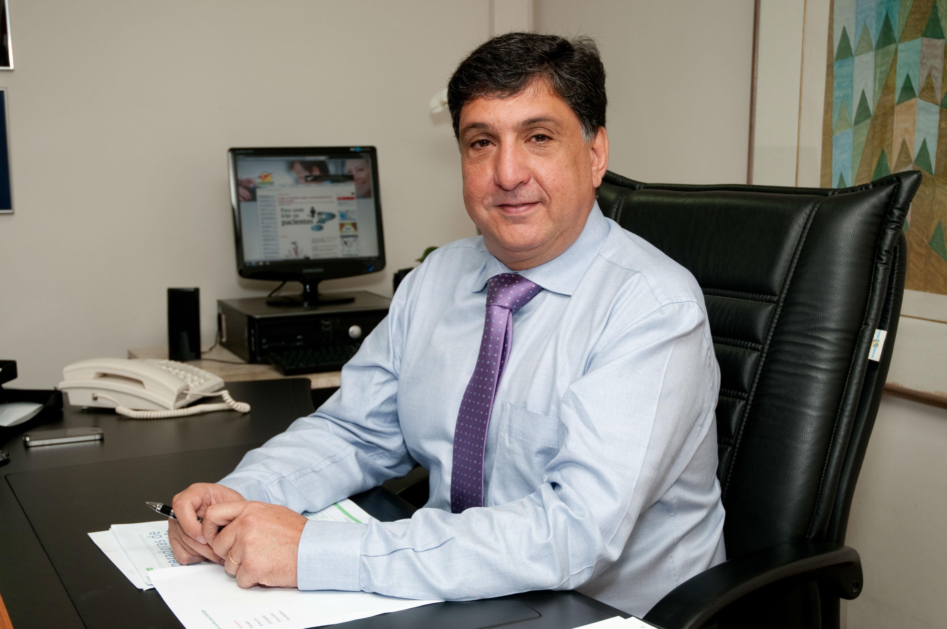 """""""Nós acreditamos que o governo teria que se especializar em regular. Ele deve fazer a regulação, com isenção, e deixar o resto com a iniciativa privada"""", Yussif Ale Mere Jr., presidente do Sindhosp"""